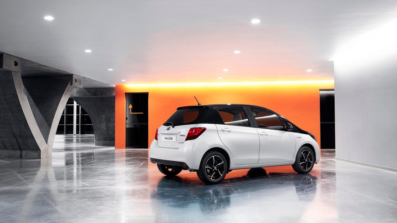2016 Toyota Yaris (UK-spec)