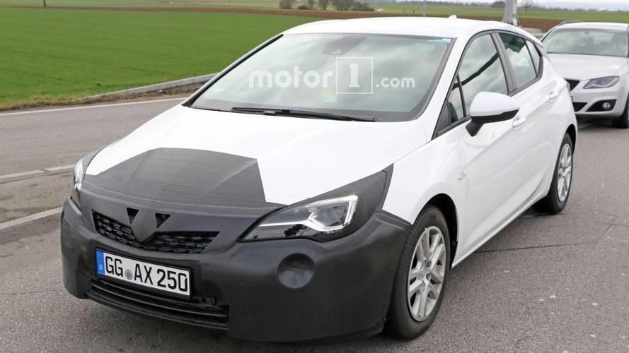 L'Opel Astra restylée photographiée pour la première fois
