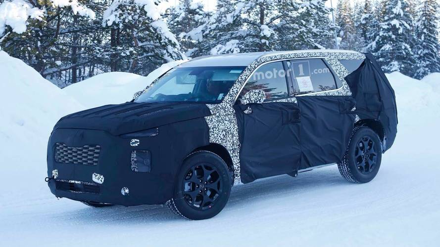 Hyundai Three Row SUV Spy Photo