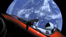Tesla Roadster segelt im All