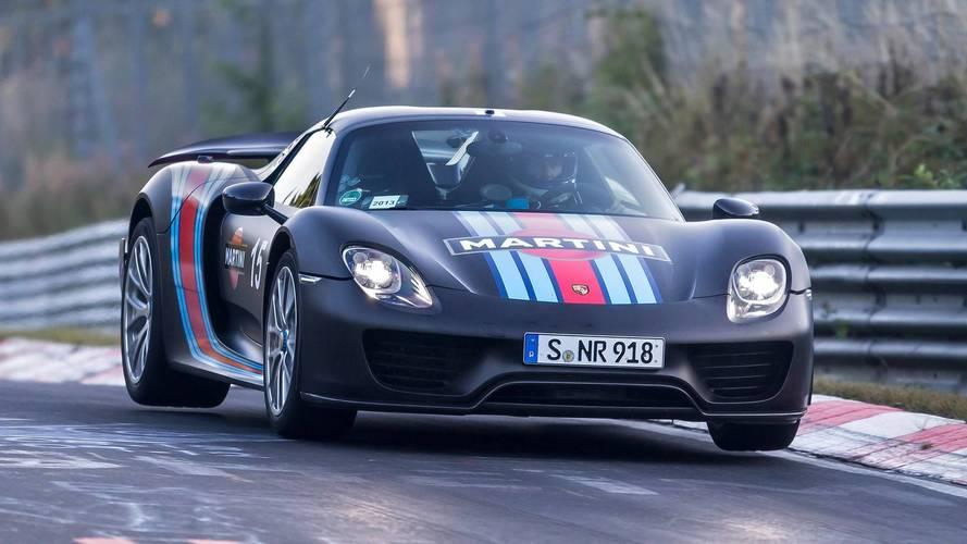 300 km/órás tempónál lepték meg a Porsche 918 Spydert