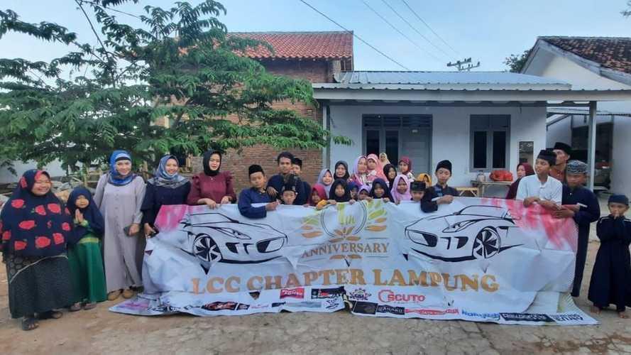 Ramadan Tiba, Ladies Car Community Lampung Kunjungi Panti Asuhan