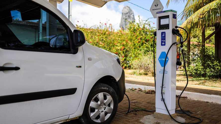 Renault inaugura 1ª estação de recarga solar pública em Fernando de Noronha