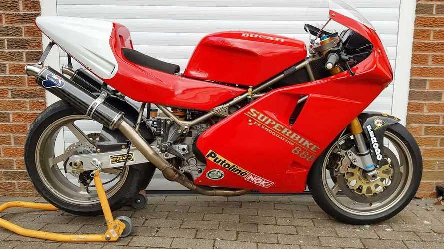 Una rara Ducati Factory 888 (926) Corse Superbike está en venta