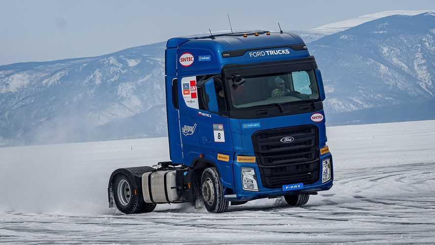 Ford F-MAX, è il camion più veloce sul ghiaccio del lago Baikal