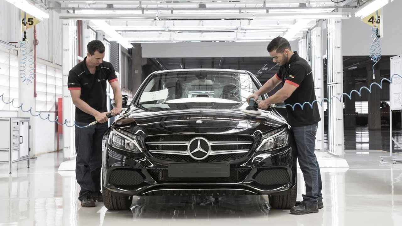 Mercedes-Benz  - Fábrica