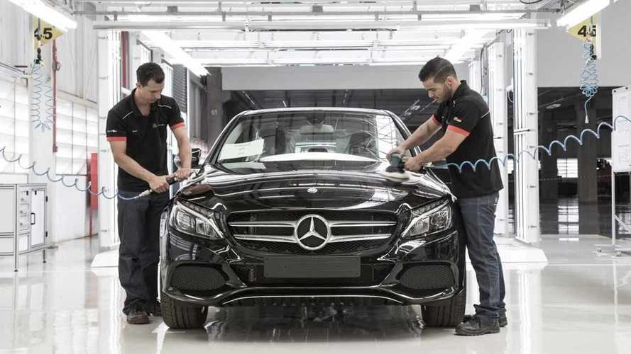 Raja Uang! Pabrikan Cina Ini Mau Beli Pabrik Mercedes di Brasil