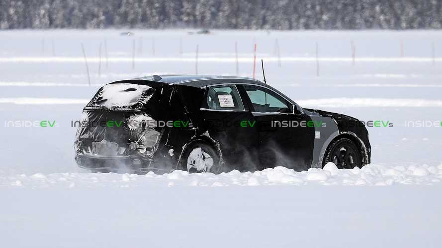 Genesis GV70e Winter Testing