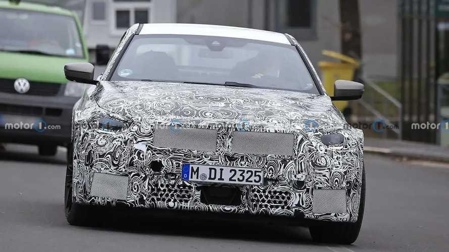 2023 BMW M2 Coupe spy photos
