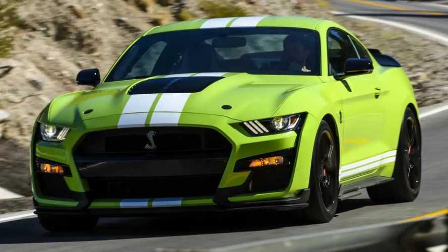 Videó: A Ford Mustang Shelby GT500-as erős, mint Hulk és okos, mint Bruce Banner