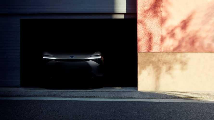 Il SUV elettrico Toyota inizia a mostrarsi: ecco il frontale