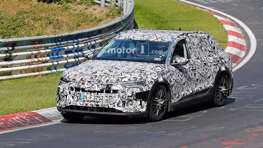 Audi E-Tron Quattro fotos espía en Nürburgring
