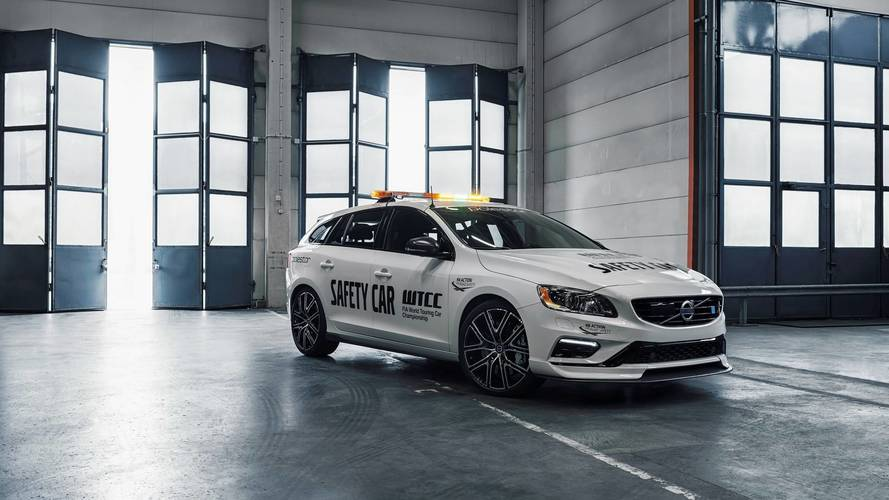 Volvo heads the field with new WTCC safety car