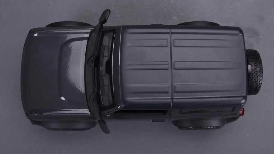 Ford Bronco 1:24 by Maisto