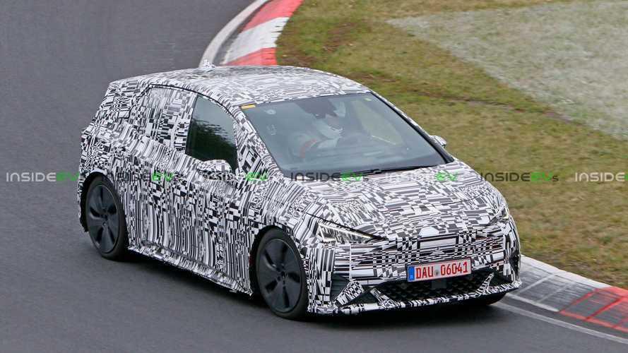 Cupra el-Born, la compatta elettrica sportiva avvistata al Nurburgring