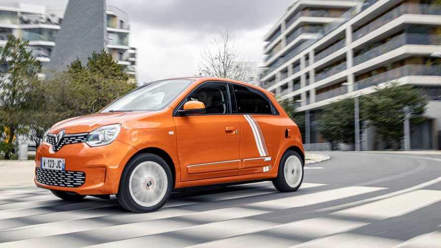 La Renault Twingo poussée vers la sortie