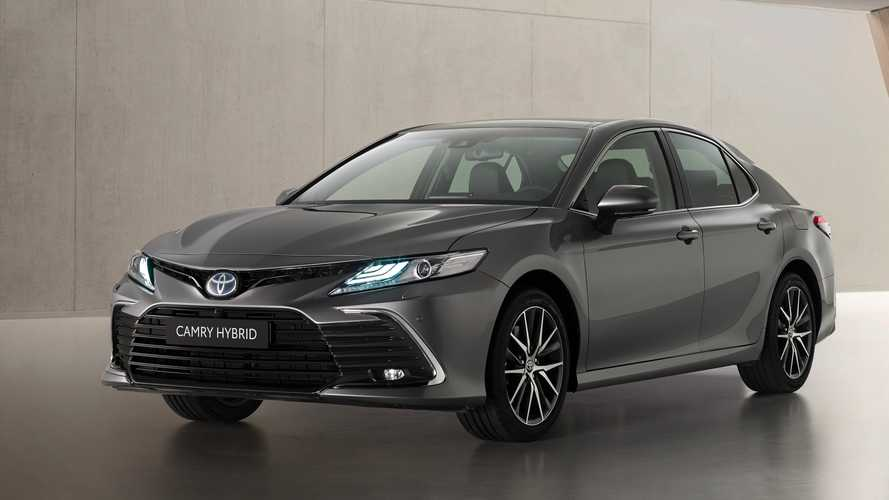 Toyota Camry Facelift (2021)