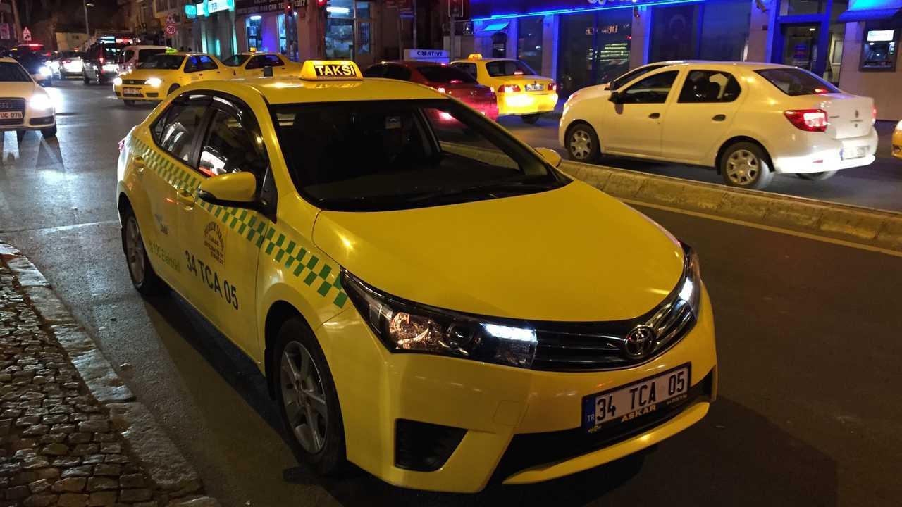 Türkiye'nin ilk ve tek elektrikli taksisi DMA!
