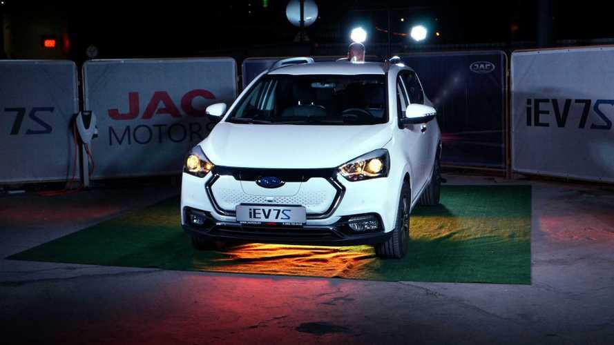 В России представили электромобиль за 2,3 миллиона рублей