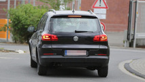 2015 / 2016 Volkswagen Tiguan mule spy photo
