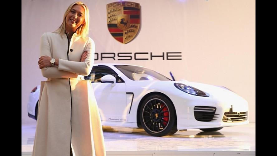 Porsche presenteia Maria Sharapova com Panamera GTS durante Jogos de Sochi