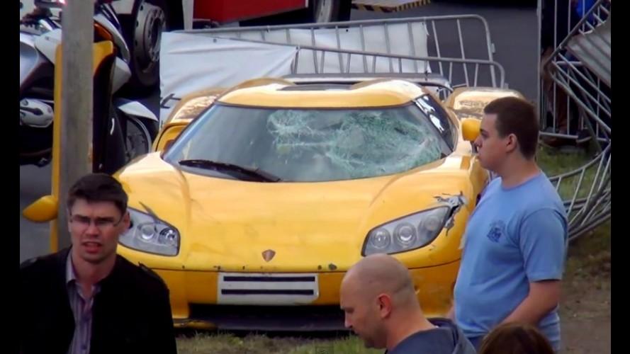 Vídeo: acidente com Koenigsegg CCR deixa 23 feridos