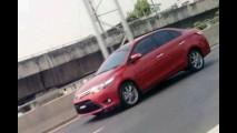 Toyota Vios: Nova geração é flagrada na Ásia - Sedã compacto pode ser fabricado no Brasil em 2014