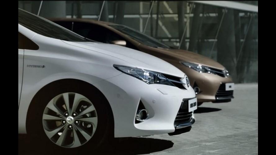 Vídeo: Toyota Auris 2013 em movimento