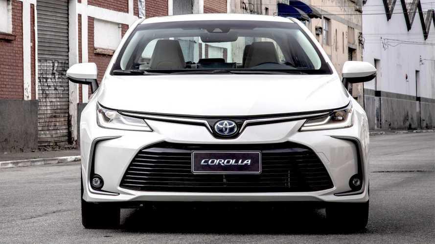 "Toyota Corolla 2022 troca multimídia por tela de 10"" sem botões"