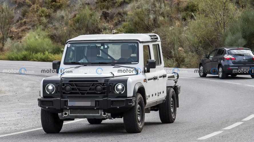 Ineos Grenadier pickup truck spy photos