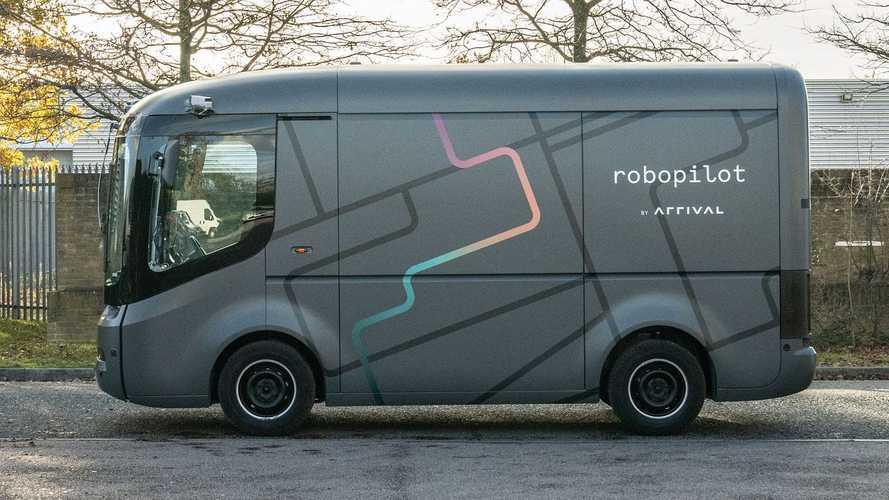 Русский стартапер испытал электромобиль–робот. Но в Англии