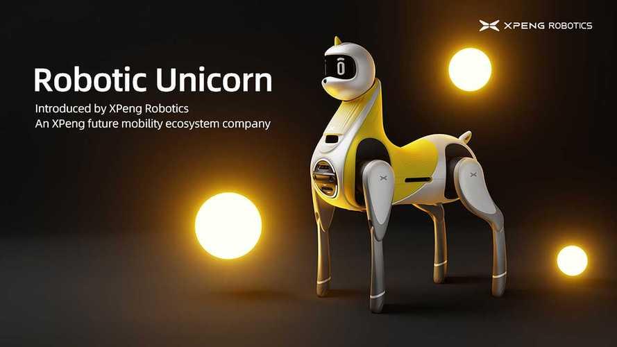 Auto addio, arriva l'unicorno robot Xpeng da cavalcare