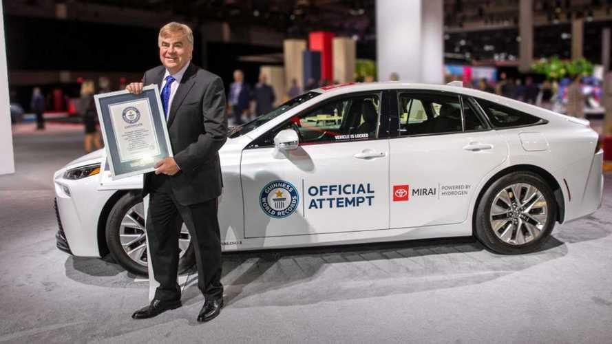 Record di autonomia per la Toyota Mirai: 1.360 km a zero emissioni