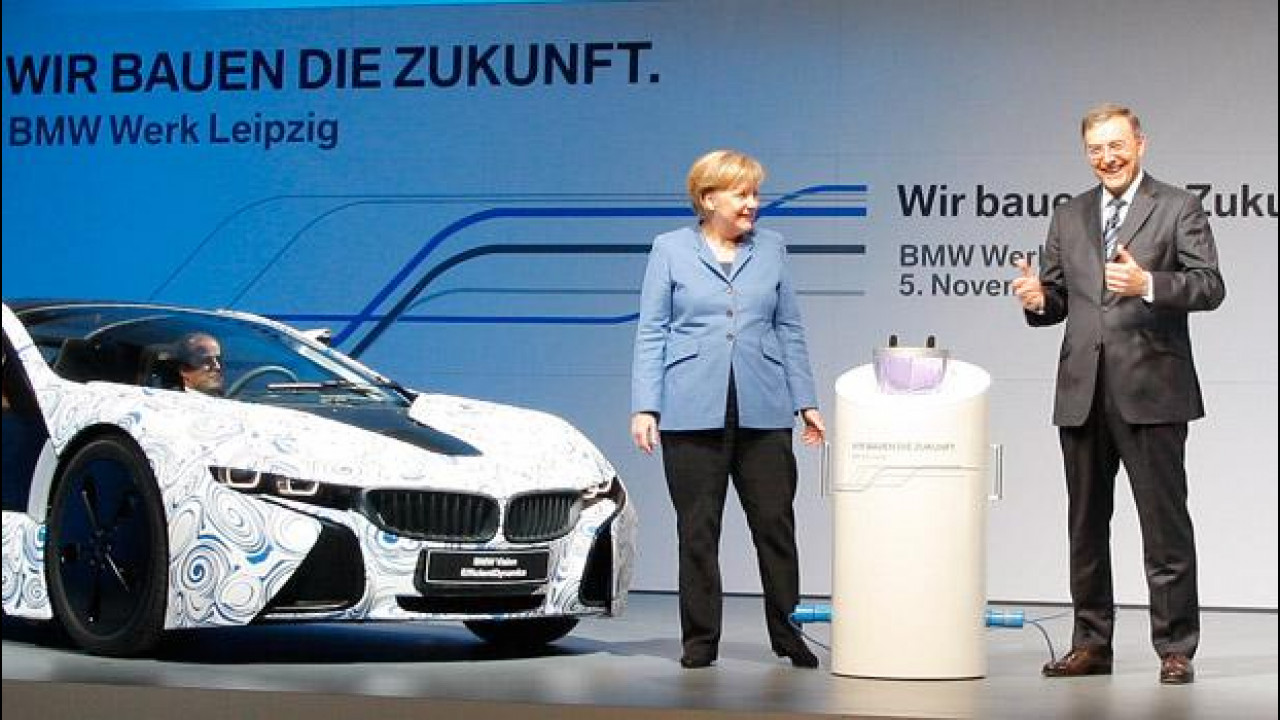 [Copertina] - BMW dona 690.000 euro al partito della Merkel, polemiche in Germania