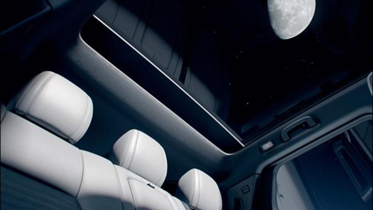 """[Copertina] - Land Rover Discovery Sport, un assaggio dell'abitacolo """"spaziale"""""""