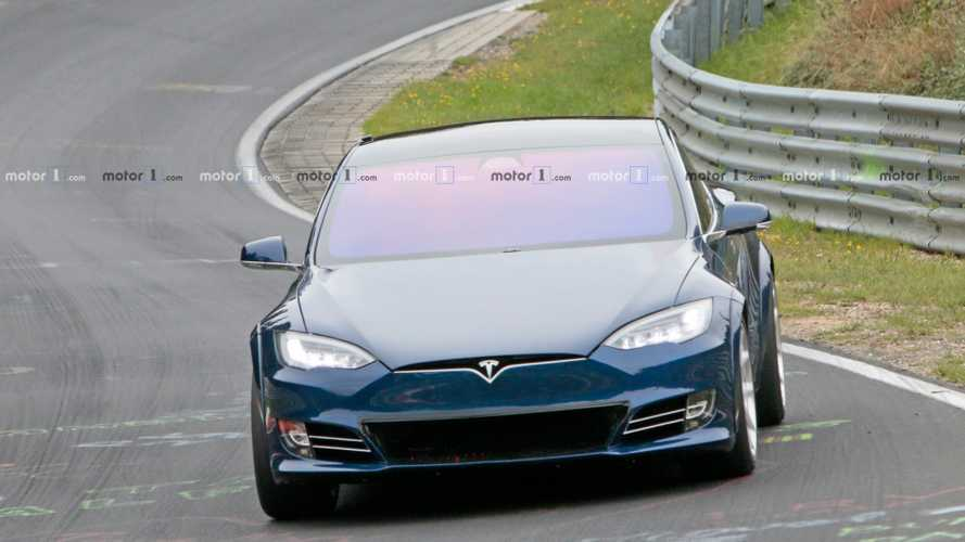 Прототип Tesla Model S Plaid