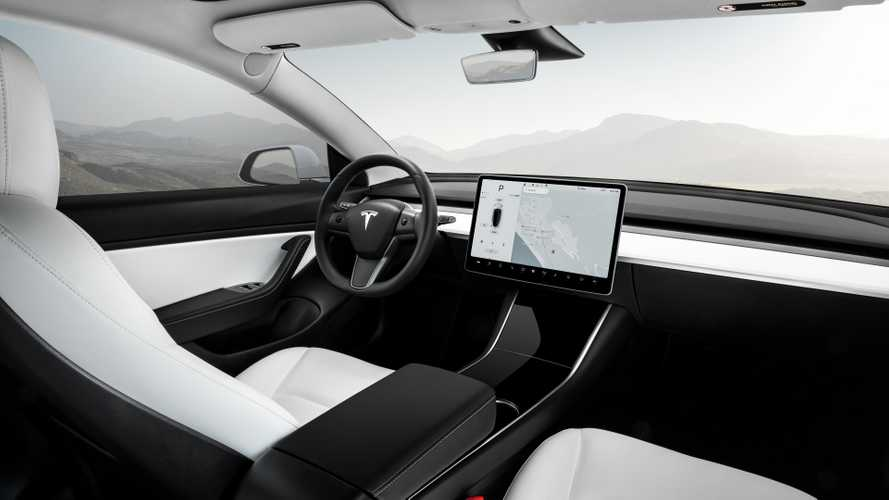 """Tesla Model 3, ora è diventata """"vegana"""""""
