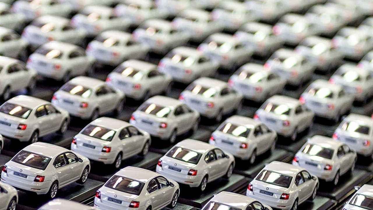 Так производители автомобилей выпускают масштабные модели.