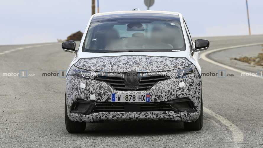 Renault Escape spy photos