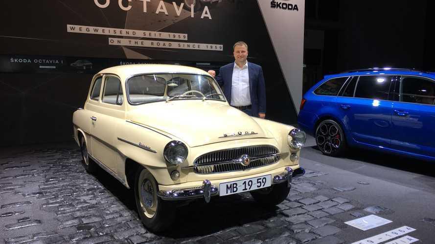 """Skoda рассказала, когда начнет продавать новую """"Октавию"""" в России"""