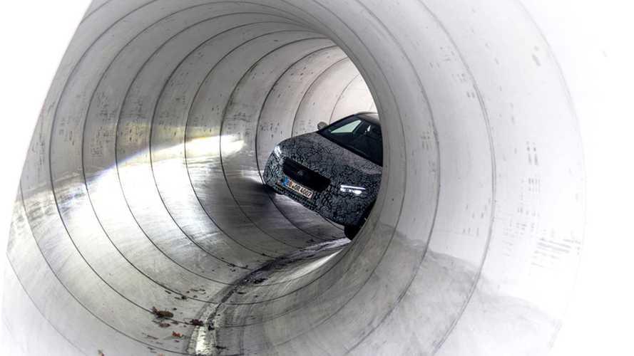Nuova Mercedes GLA, i teaser