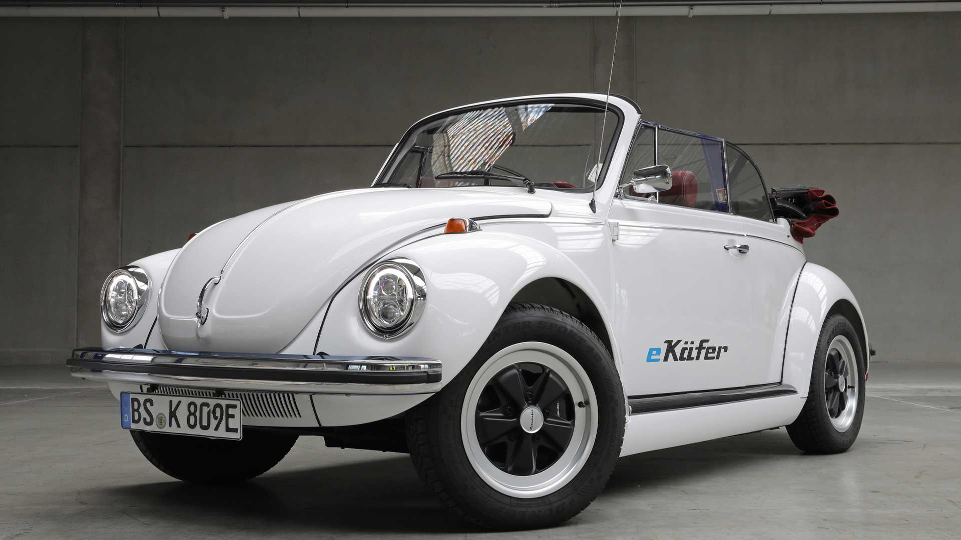 "[""Volkwagen Offers Complete Electric Drive For Classic Beetles""]"