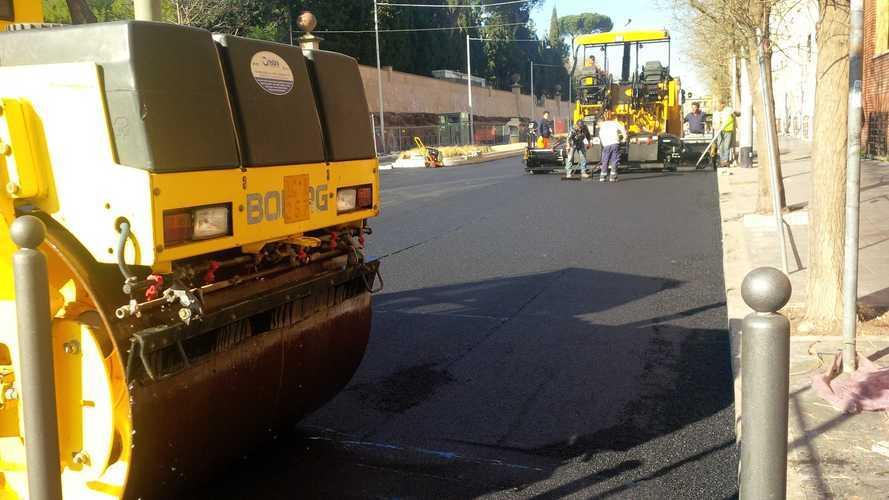 Buche e strade danneggiate: 12-15 anni per ripararle tutte
