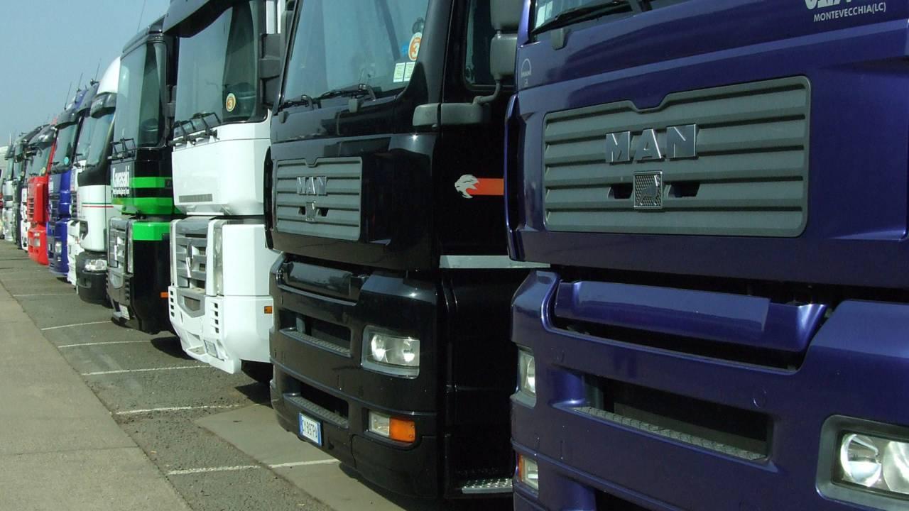 Lorry lineup