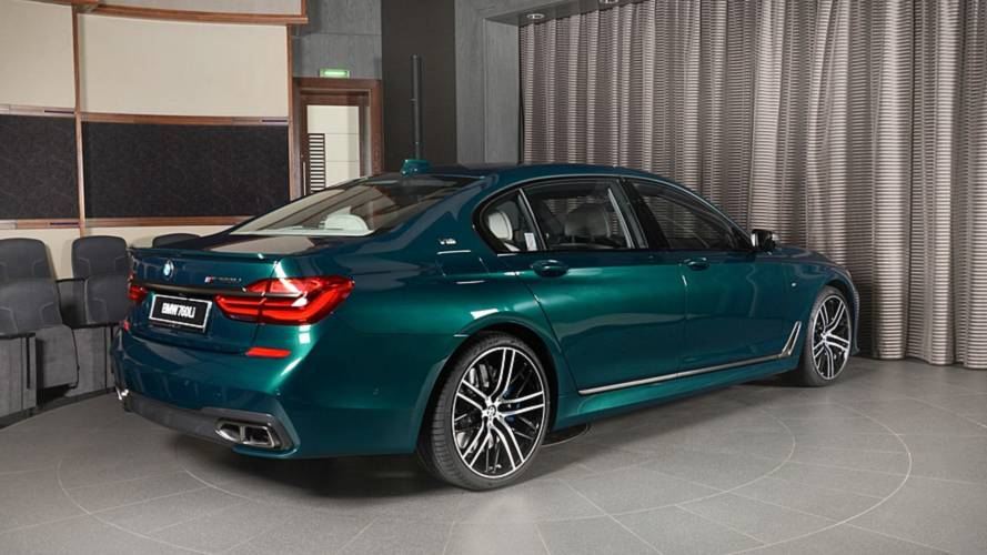 Abu Dhabi Motors te propone este BMW M760Li xDrive Boston Green