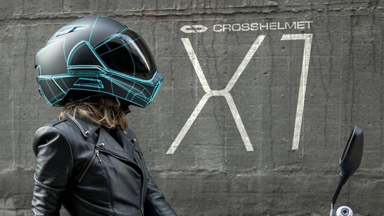 Borderless Kickstarts CrossHelmet X1 Smart Helmet
