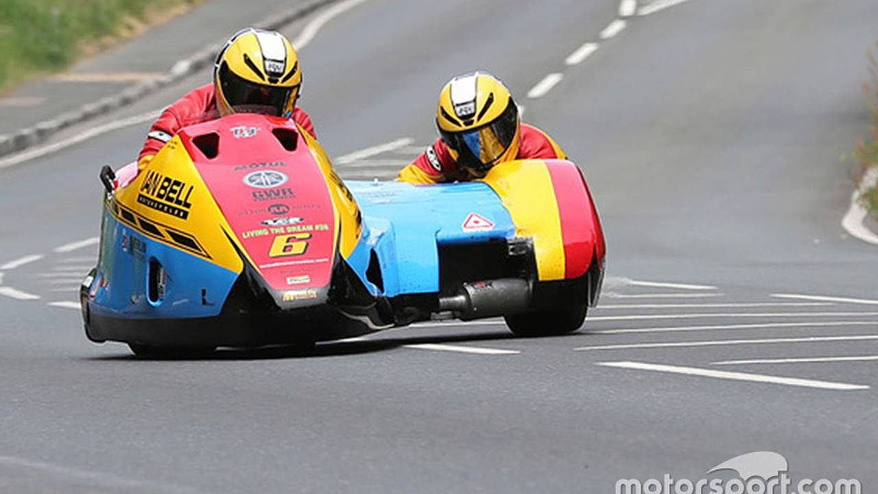 Sidecar pilot Ian Bell was killed at the 2016 Isle of Man TT