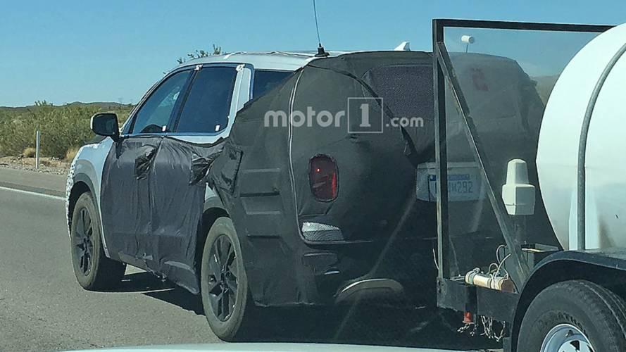 Hyundai Palisade SUV Spied