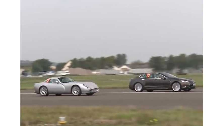 Tesla Model S Versus TVR Tuscan S - Drag Race Video