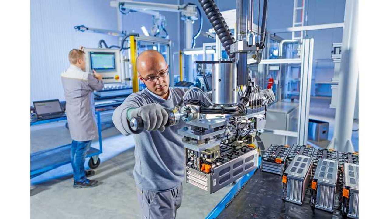Akasol Shows New High Energy Dense Battery Modules (221 Wh/kg)